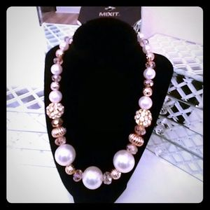 """Diamonds & Pearls"" necklace"